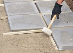 How to install a paver patio: Here's everything you need to know to build a paver patio—it's simpler than you might think! Paver Deck, Outdoor Pavers, Diy Pavers Patio, Backyard Patio, Backyard Landscaping, Pavers Ideas, Paver Walkway, Concrete Patio, Landscape Pavers