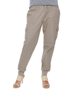 These full length cargo joggers have a ribbed cuff and waistband.