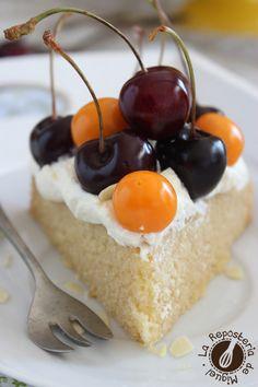 Cake de Vainilla, almendras y Cerezas