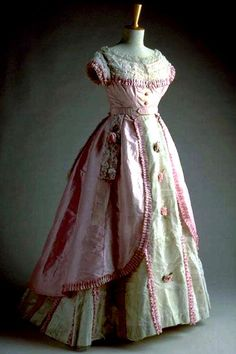 HISTORICAL PINK & PURPLE PRINTED DRESSES