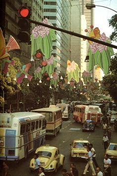 Avenida Rio Branco no centro da cidade do Rio de Janeiro, final da década de 70.