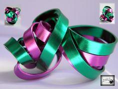 anillo en hilo de aluminio rosa  y verde