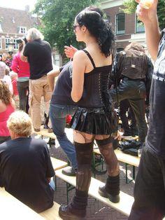 Gothic Girl with Buffalo Boots 00s Fashion, Dark Fashion, Gothic Fashion, Womens Fashion, Rave Girl Outfits, Buffalo Boots, Pastel Punk, Punk Boots, Alternative Fashion