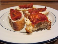 Roasted Tomato & Ricotta Crostini | recipe from Cooker Girl