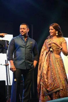 Salman Khan and Sonam Kapoor perform Garba in Ahmedabad while promoting #PRDP. #Bollywood #Fashion #Style #Beauty #Handsome