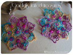 Rainbow hand tatted earrings di gaestattedtreasures su Etsy, €12.00