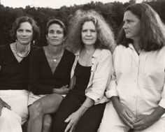 nicholas-nixon-the-brown-sisters-40-years-06-1-four-sisters