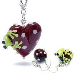 alexiss Schmuckset - Charm Anhänger rotes Herz und Ohrringe - mit Frosch