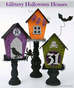 Glittery Halloween Houses from Shelly Hickox using the Eileen Hull Birdhouse die, and Tim Holtz dies, distress glitter and paint. Halloween Items, Halloween Cards, Holidays Halloween, Vintage Halloween, Happy Halloween, Halloween Decorations, Spooky Halloween Crafts, Halloween Prop, Halloween Witches