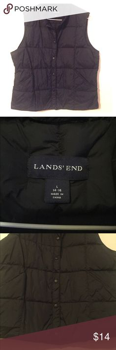 Women's Vest- Lands End In perfect condition. 6 snaps. 2 pockets. 100% Nylon Lands' End Tops