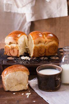 Dokonale vláčný a neuvěřitelně nadýchaný chlebíček budete péct zas a znova!