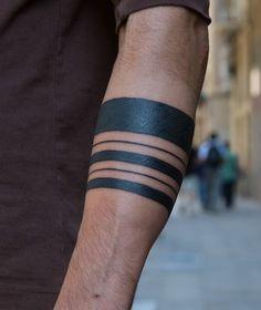 20 Amazing Solid Armband Tattoos (22)