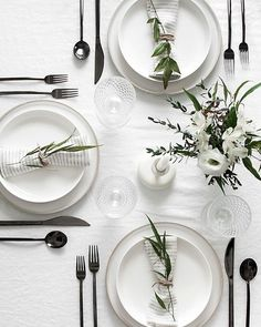 The gun metal flatware is brilliant on this modern black and white table! The gun metal flatware is brilliant on this modern black and white table! The gun metal flatware is brilliant on this modern black and white table! White Table Settings, Christmas Table Settings, Simple Table Setting, Place Settings, Everyday Table Settings, Everyday Table Decor, Outdoor Table Settings, Lunch Table Settings, Round Table Settings