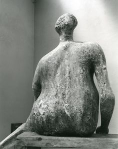 Moore OM, CH, 'Seated Woman' 1957 (Henry Moore: Sculptural Process and Public Identity) Bronze Sculpture, Wood Sculpture, Metal Sculptures, Abstract Sculpture, Henry Moore Sculptures, Barbara Hepworth, Monuments, Installation Art, Action Painting