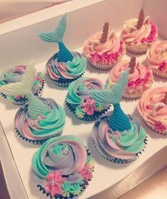 DIY Mermaid Birthday Party for Kids - Party Wowzy<br> Diy Mermaid Birthday Party, Unicorn Birthday Parties, Birthday Party Themes, Girl Birthday, Unicorn Party, Birthday Diy, Birthday Ideas, Paris Birthday, Cupcake Party