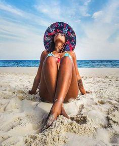 Beach Photography Poses, Beach Poses, Summer Photography, Gopro Photography, Summer Pictures, Beach Pictures, Summer Poses, Bikini Poses, Posing Guide
