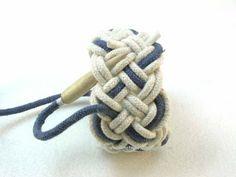 Knots and fiber bracelets: instructions