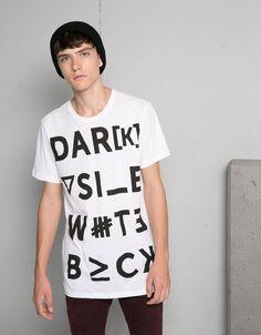 T-shirts - Man - Man - Bershka United Kingdom Sweater Shirt, Shirt Outfit, V Neck T Shirt, Hang Ten, Black And White Prints, Sweater Design, Shirt Style, Shirt Designs, Casual Outfits