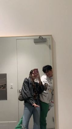 Maggie Lindemann, Cute Poses For Pictures, Couple Pictures, Cute Relationship Goals, Cute Relationships, Cute Couples Goals, Couple Goals, Grunge Couple, Interacial Couples