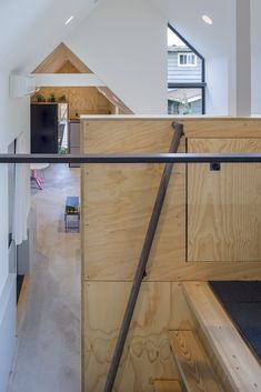 The firm was hired by a Seattle homeowner to create Granny Pad: A spacious living quarters converted from a backyard garage. Architecture Pdf, Cabinet D Architecture, Residential Architecture, Mini Clubman, Open Space Living, Modern Staircase, Loft Spaces, Small Spaces, Affordable Housing