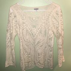 White lace top Beautiful white lace top from EXPRESS!!!!!! NO TRADES❌ Express Tops Blouses