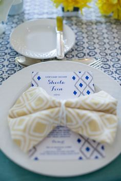 #place-settings, #napkins, #pattern, #baby-shower, #blue, #yellow, #graphic, #geometric, #menu  Photography: Maya Myers Photography - mayamyers.com  Read More: http://www.stylemepretty.com/living/2014/01/06/smp-living-graphic-print-inspired-baby-shower/