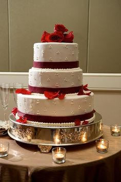 Wedding Cake...WHY DOES THIS HAVE TO BE A WEDDING CAKE. IT CAN BE MY FUTURE BIRTHDAY CAKE.