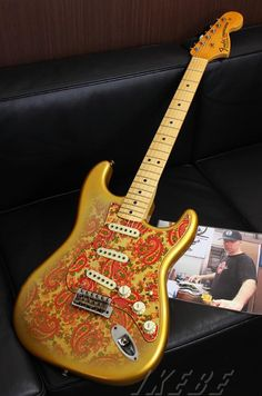 Fender Custom Shop MBS '69 Storatocaster Relic Aged Gold Sunburst Paisley Master Built By Dale Wilson S/N R74516