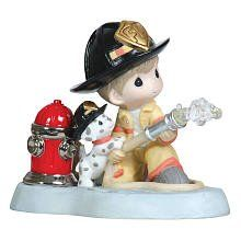 Precious Moments Figurines - 2016 Black Friday Specials - Courage Under Fire - Fireman With Puppy And Hydrant Firefighter Home Decor, Firefighter Family, Firefighter Gifts, Firefighter Pictures, Firefighter Quotes, Precious Moments Quotes, Precious Moments Figurines, Fire Department, Fire Dept