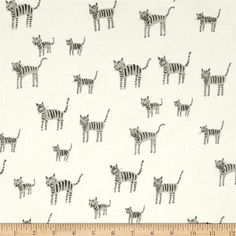 Cotton & Steel Black & White Cats from @fabricdotcom  Designed by Rashida Coleman-Hale for Cotton + Steel, this cotton print is perfect for quilting, apparel and home decor accents. Colors include black and grey.