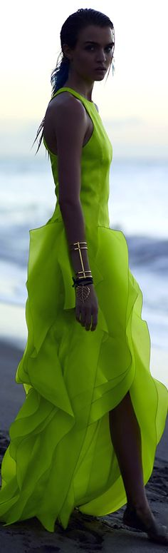 DuJour: Where Luxury Lives. Pantone, Cool Outfits, Fashion Outfits, Fashion 2018, Trends, Green Fashion, Beautiful Gowns, Shades Of Green, Green Dress