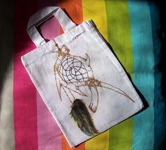 Kresba fixy na textil. * #taska #kresba #lapac #ladylu #dreamcatcher #drawing #bag #little