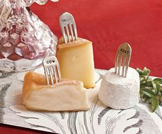 Recycled forks...clever idea for cheese markers http://www.napastyle.com/catalog/product.jsp?productId=4643&parentCategoryId=518&categoryId=673&subCategoryId=673