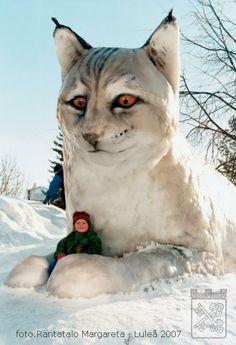 Lodjuret var 1998 års snöskulptur i stadsparken