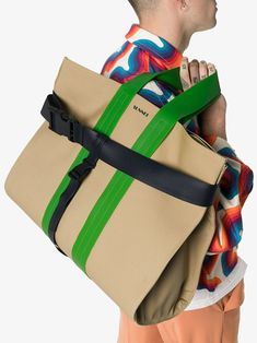 Sunnei green and sand contrasting buckle strap messenger bag - Buy Online - Mobile Friendly, Fast Delivery V Model, Concept Clothing, Sac Week End, Men's Totes, Designer Totes, Fabric Bags, Summer Bags, Casual Bags, My Bags