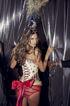 No peeking, Alessandra!