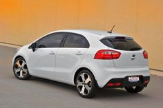 When looking at the sedan, there is one and the same question. What brought this car to our car market? On the role of the Korean budget car clearly does not pull. 2013 Ford Fusion, Kia Rio, Car Logos, Car Wallpapers, Dream Cars, Vehicles, Side View, Wheels, Trucks