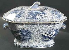 Mottahedeh Blue and White | Mottahedeh TORQUAY-BLUE (GOLD TRIM) Tureen with Lid
