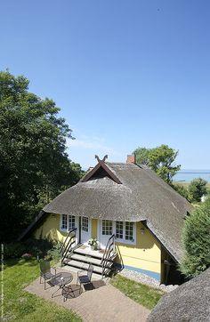 """Dem Gästehaus """"Bergfalke"""" über die Schulter geschaut.  #Gästehaus #Bergfalke #Ahrenshoop"""