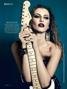 Yossi Michaeli Captures Rock & Glam Looks for Elle Brazil Vamos Combinar - Models Adriana Caye and Veroni transform from elegant divas to rock and roll royalty in Yossi Michaeli's high gloss images shot for the July edition of Elle Brazil. Styled by Ana Hipster Outfits, Grunge Outfits, Emo Outfits, Trendy Outfits, Glam Rock Makeup, Dramatic Makeup, Moda Rock, Rock Poster, Rocker Chick