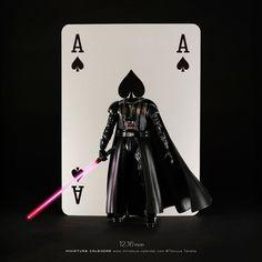 "Tatsuya Tanaka 田中達也 on Instagram: "". 12.16 mon ""Dars-Pader"" . ダースペイダー . #スペード #ダースベイダー #スターウォーズ #Spade #DarthVader #StarWars . ─────────────── 《Exhibition info》 . 【small MUJI…"" Miniature Calendar, Playing Cards Art, Miniature Photography, Creative Artwork, After Dark, Little People, Diorama, Character Design, Star Wars"