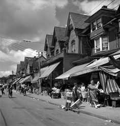🇨🇦 Kensington Market (Toronto, Ontario, by Michael Lambeth 🎞 Vancouver Photography, Toronto City, Toronto Canada, Studio Musicians, Yonge Street, Royal Ontario Museum, Canadian History