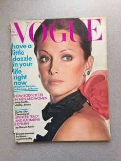 vintage Vogue Magazine November 1 1971 Irving Penn fashion mag