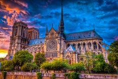 """Notre Dame (1345Year)!!! Île de la Cité, Paris, France. Que bonito lugar, me encanta esta catedral, es bella. Me recuerda mucho a la película de Disney de """"El Jorobado de Notre Dame"""". Q bella!!!"""