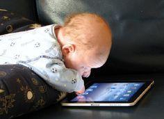As crianças têm sido prejudicadas com o acesso à tecnologia, mas os adultos ignoram a informação.O que encontramos são crianças, com menos de 12 anos, usando celulares, tablets e notebooks.