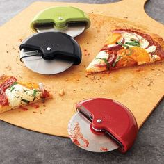 Joseph Joseph Scoot Pizza Wheel | Sur la Table