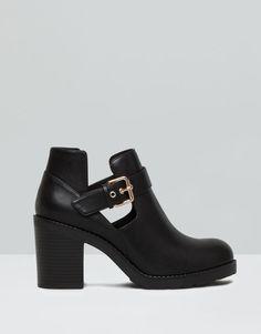Pull&Bear - zapatos - botas y botines - botín tacón calado - negro - 15260011-V2016