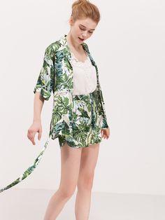 #fashion #trend #tshirt #shorts #style #fashionlook #flowers #green