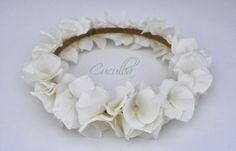 Corona de flores blanca; Hortensia