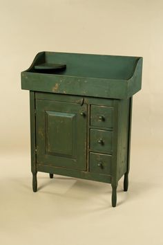 Simple Shaker Dry Sink / Evergreen in color.